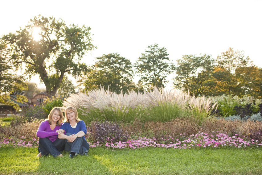 Mother-Daughter Photos in Washington Park © Marni Mattner Photography