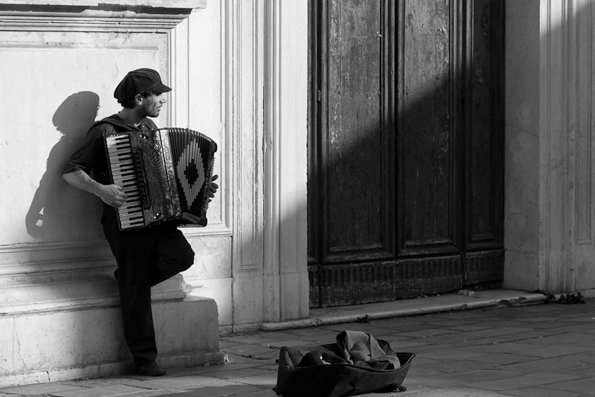 Venetian accordion player in Italy © Marni Mattner Photography