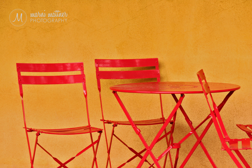 Sutcliffe Winery Table and Chairs in Cortez, CO © Marni Mattner Photography