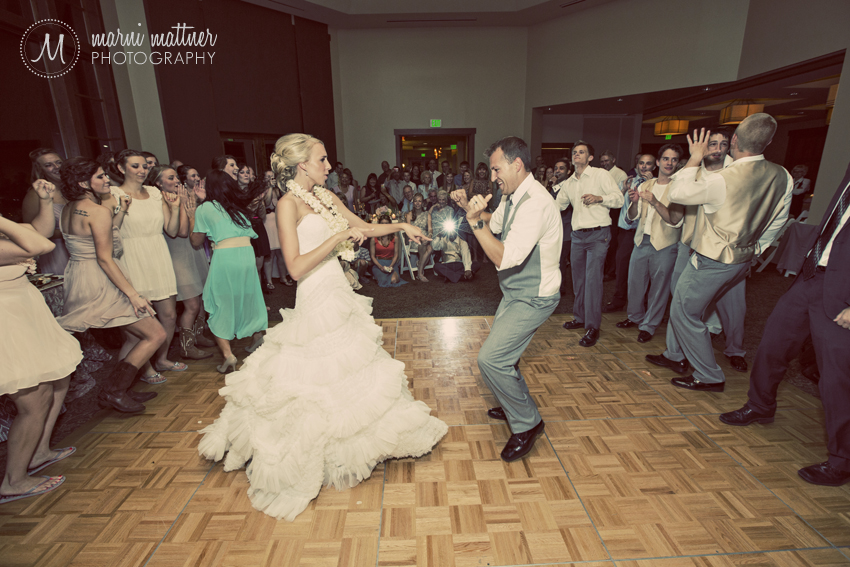 Girls vs. Boys Wedding Dance-off © Marni Mattner Photography