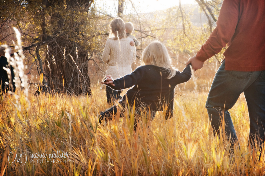 Colorado Family Portraits in Field © Marni Mattner Photography