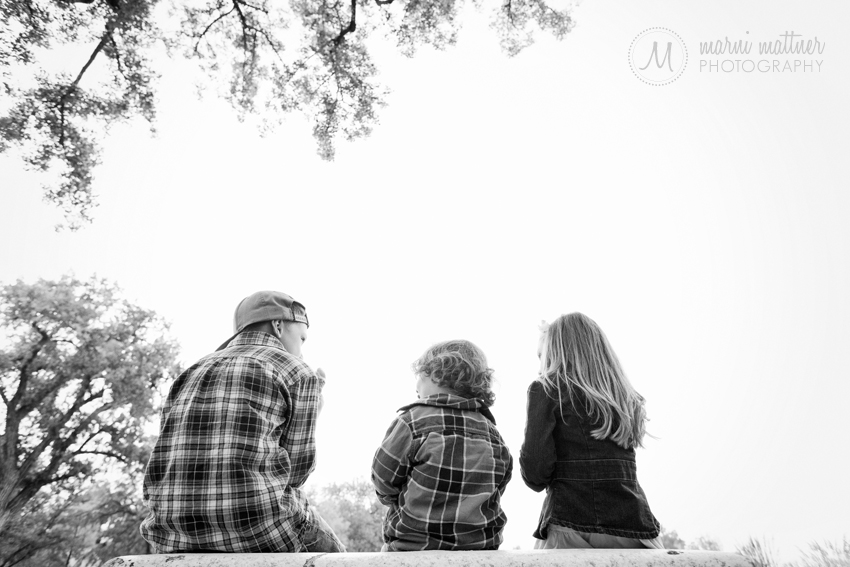 Caden, Max & Ilyn Enjoy The Autumn Afternoon in Washington Park in Denver, CO © Marni Mattner Photography